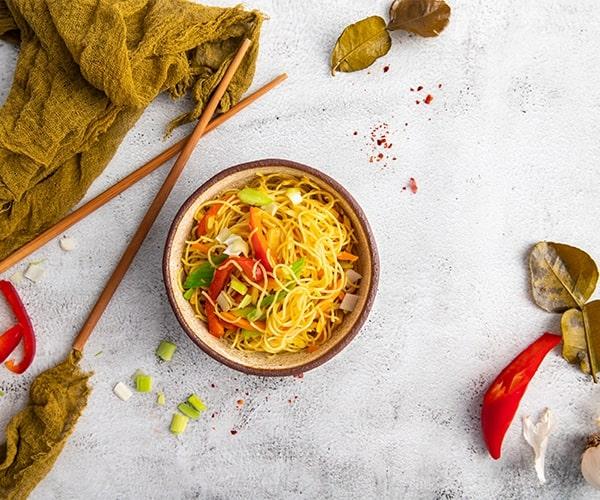Noodles de orez cu legume
